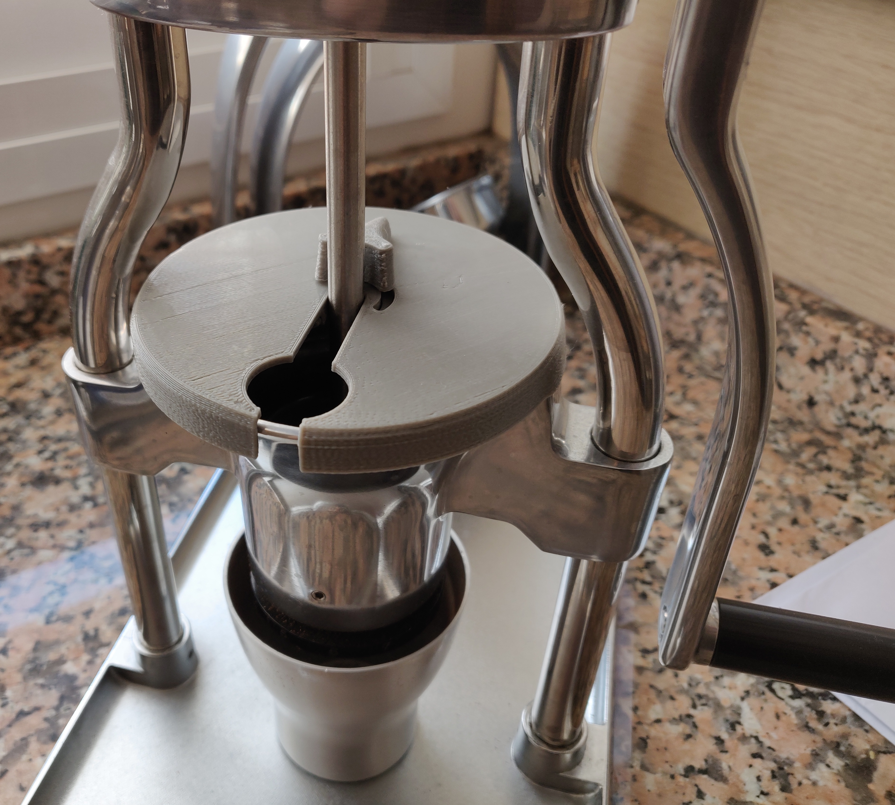 Cover for the ROK coffee grinder with funnel