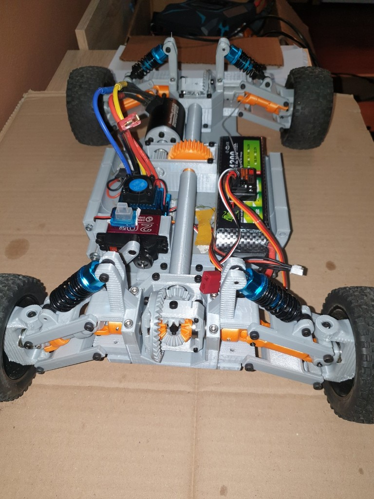 4WD RC car with printable differential