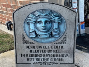 MADAME LEOTA TOMBSTONE PLAQUE AND ANIMATRONICS