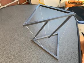 Schwebendes Dreieck  - Levitating triangle