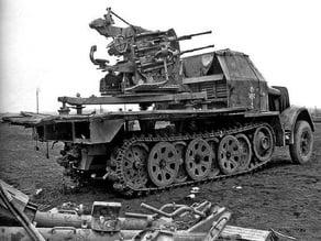 Armoured SdKfz7/1 2cmFlakvierling 1:56