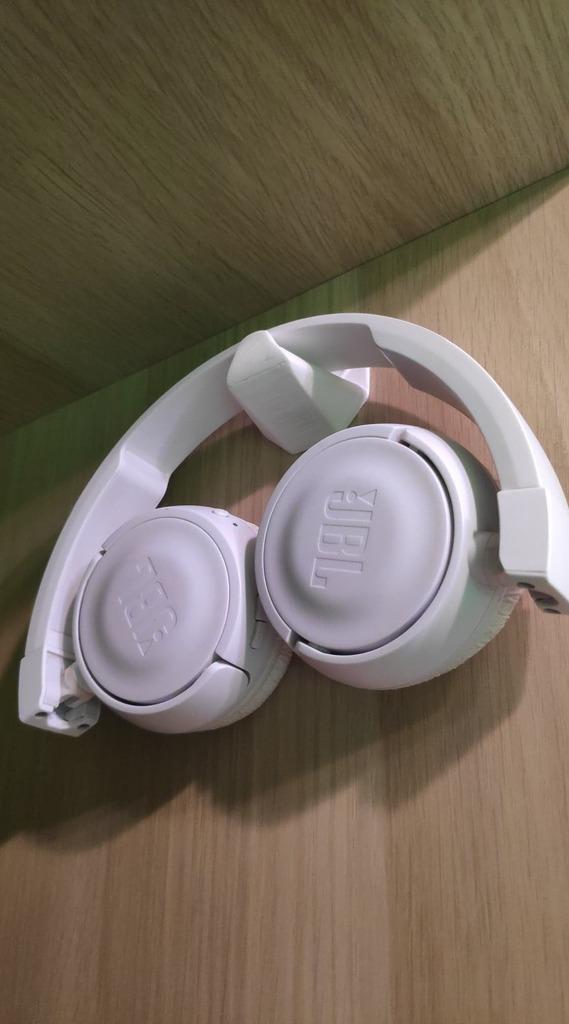 hook for headphones