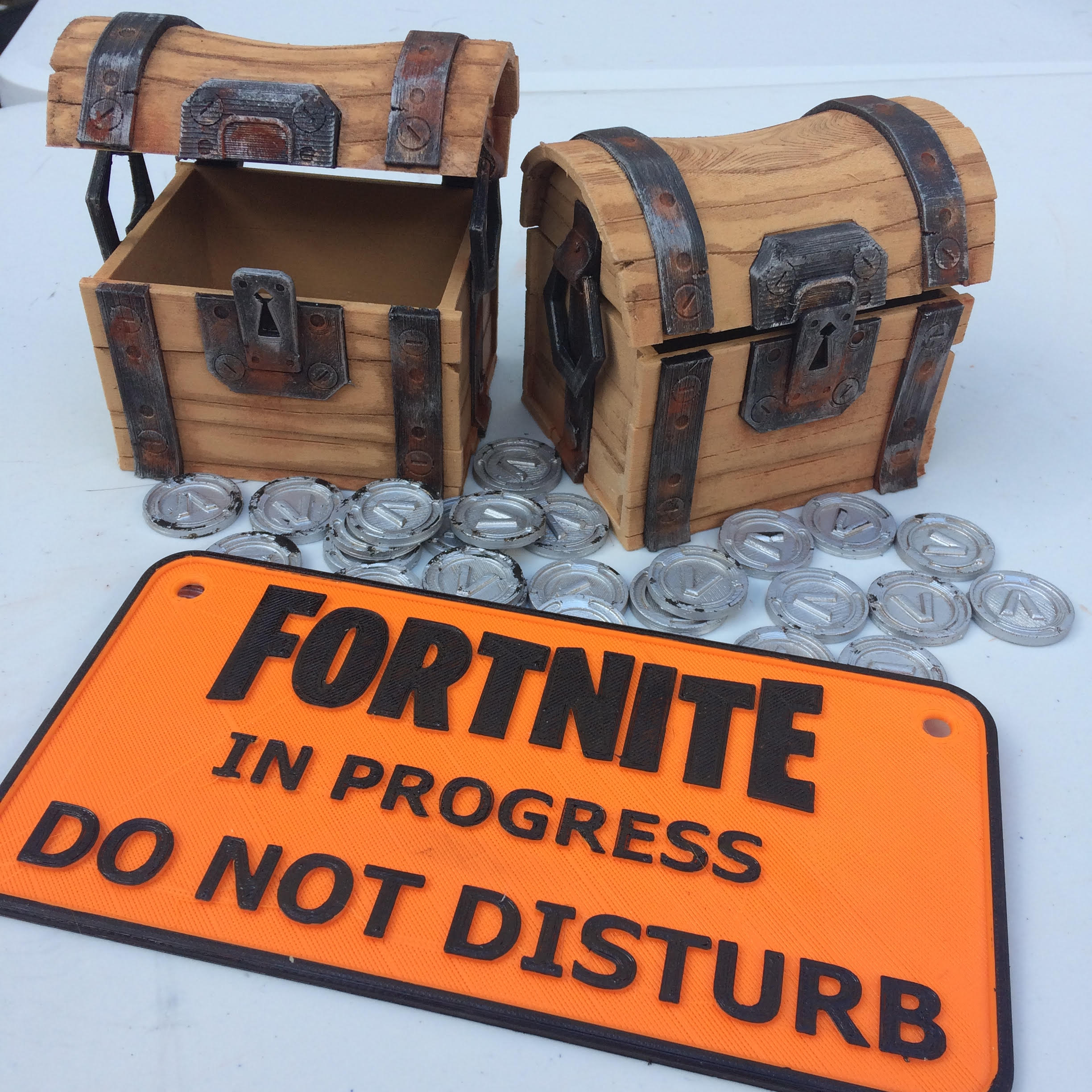 Thingiverse Fortnite Chest Makes Of Fortnite Chest By Vgl74 Thingiverse