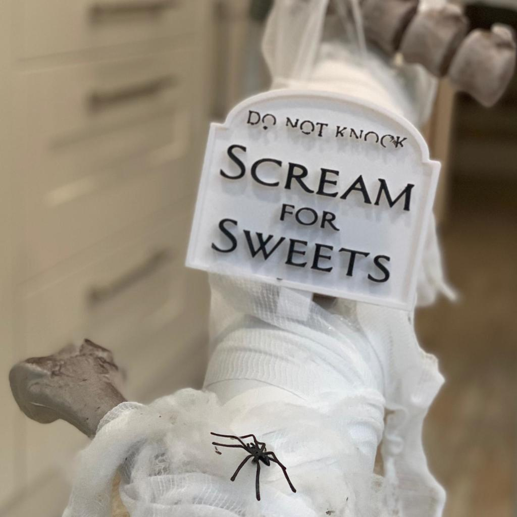 Scream for Sweets Halloween Sign
