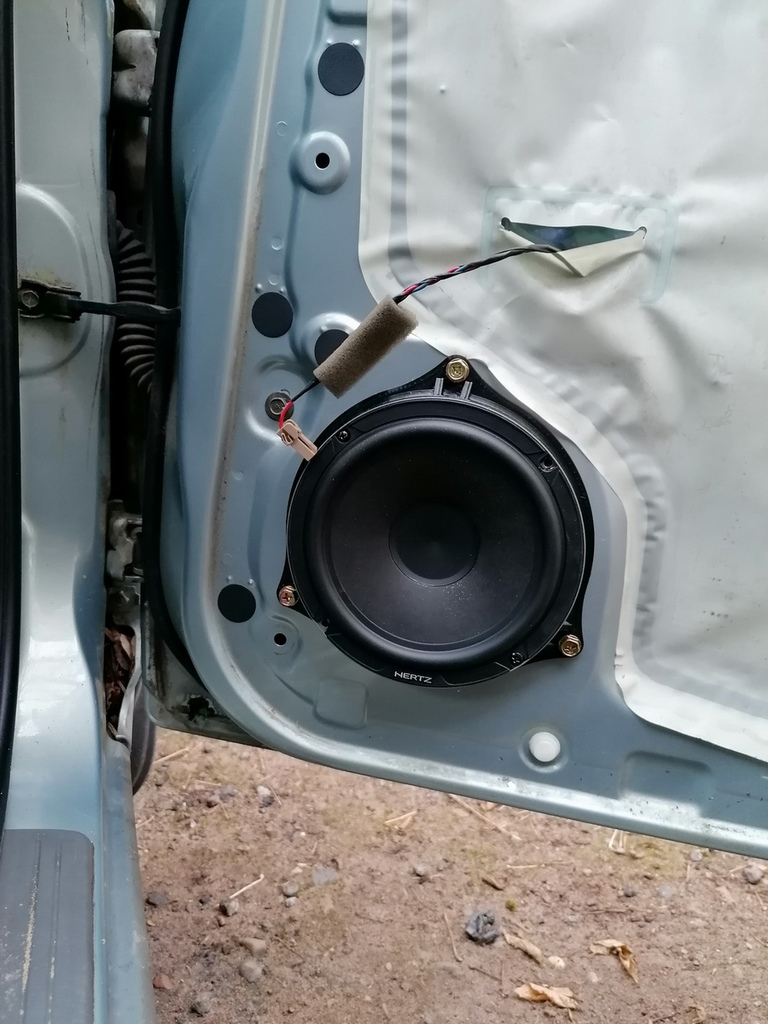 Speaker spacers for Nissan Almera Classic