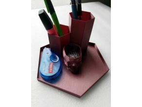 penholder / adjustable pen organizer / anpassbarer Stifte-Organizer