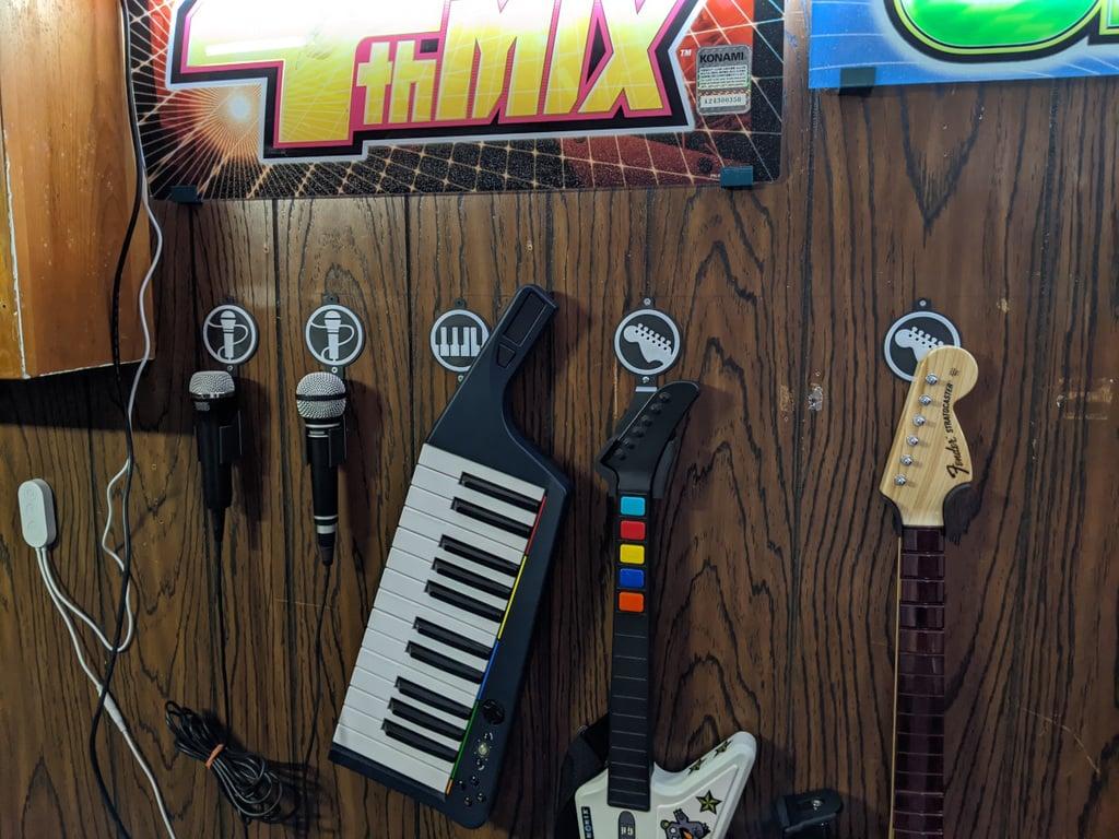Rock band / Guitar hero instrument holders