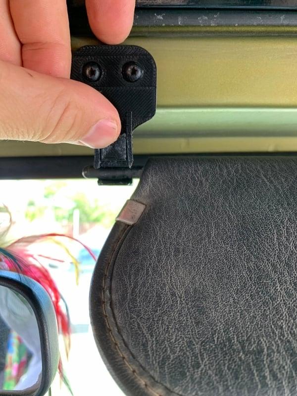 Jeep TJ Wrangler Sunvisor Clip (latch-type)