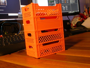 Stackable Crate 100mm scaled