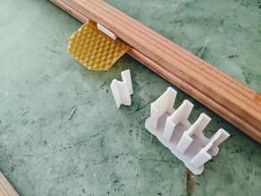 Beehive Wax Starter Frame Clip