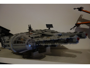 Lego Millenium Falcon stand