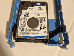 """SSD to HDD (2.5"""" to 3.5"""") Screwless Internal Drive Mount Adapter"""
