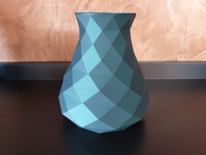 Simple Low Poly Vase