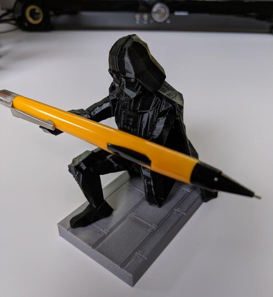 LowPoly Darth Vader Pen Holder separate base