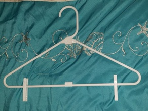 Parametric Clothes Hanger with Clips