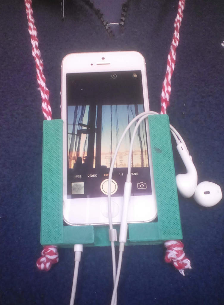 iphone5 pendant holder