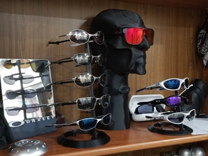 Sweet Sunglasses display stand Oakley design