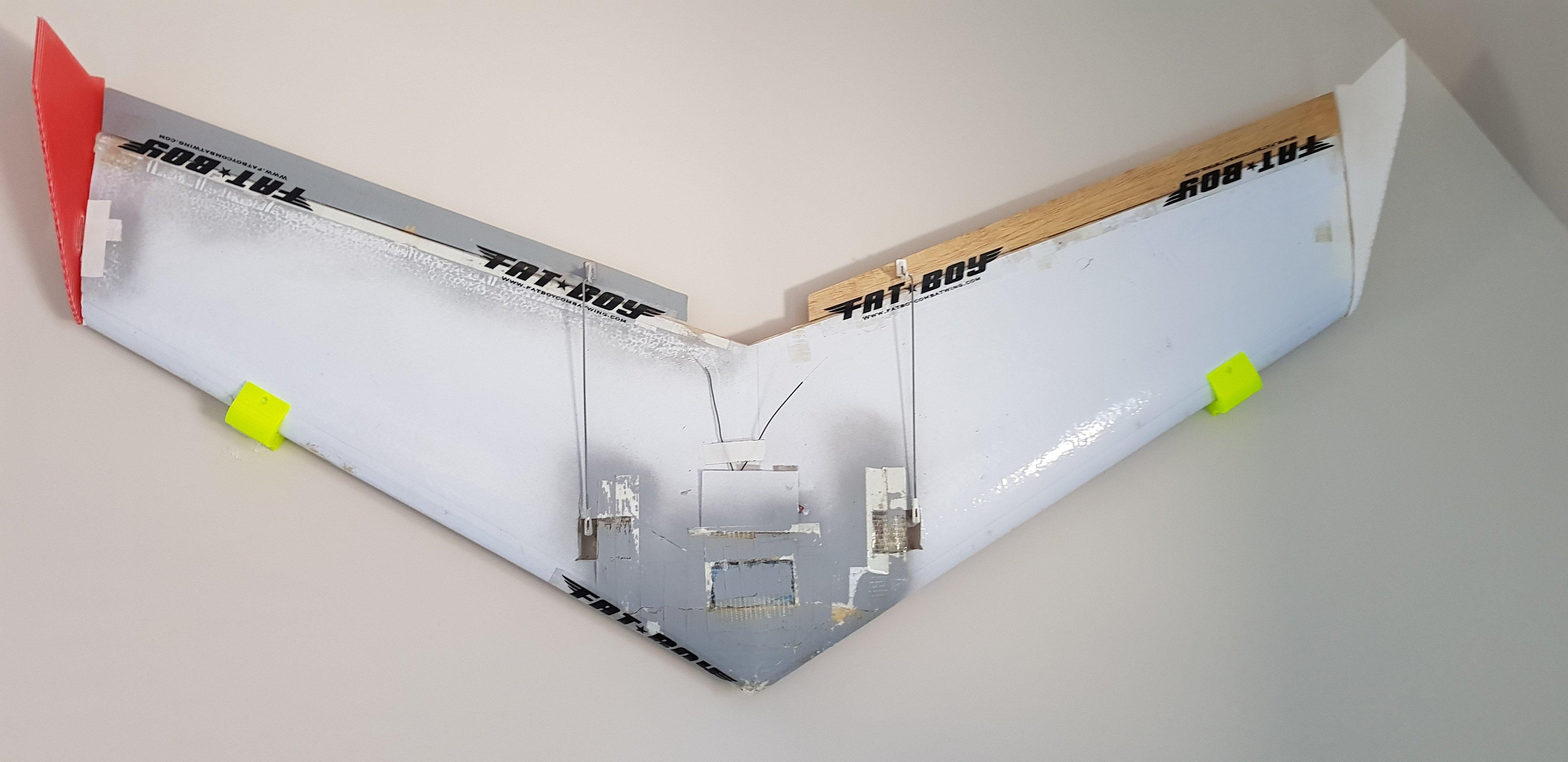 Flying Wing Wall Gangers