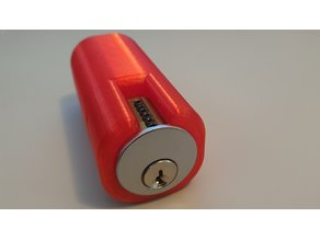 Lock holder for the 7 pin ultimate adversary practice lock