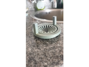 Scaleable sink strainer