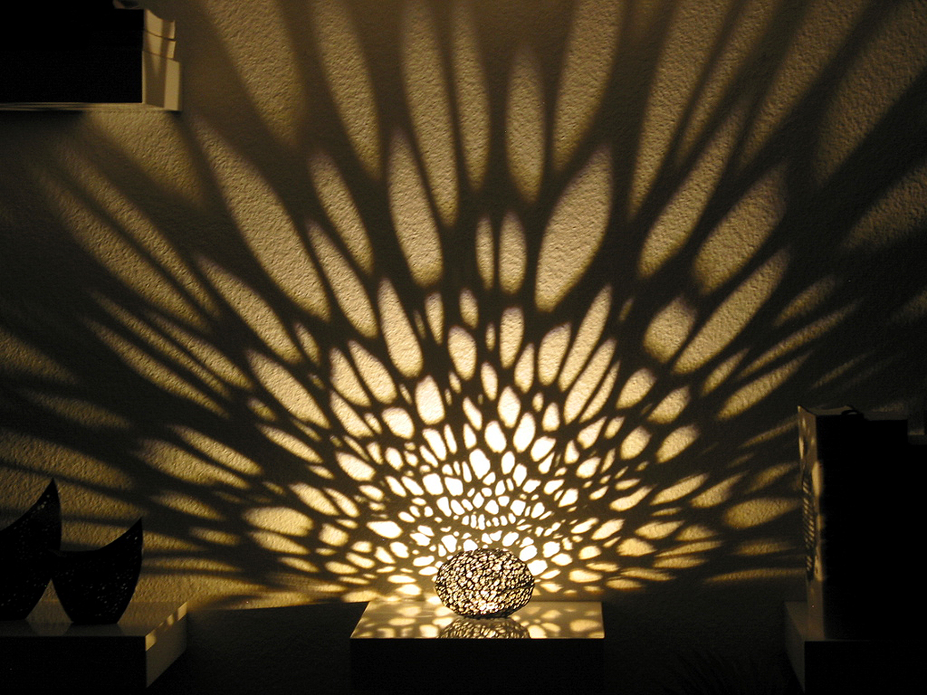 4 Led Light >> Voronoi Pearl Light Lamp No. 1 by graph - Thingiverse