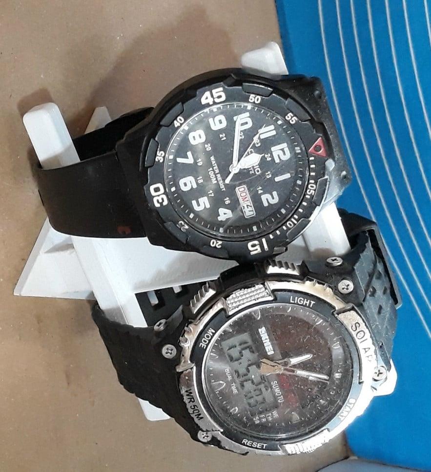 2 wrist watches stand