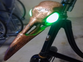 Raven skull bicycle light