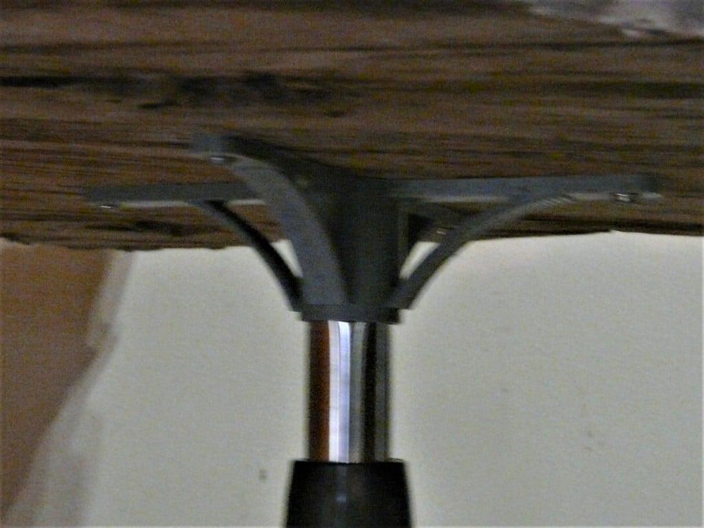 table bracket for floorstand