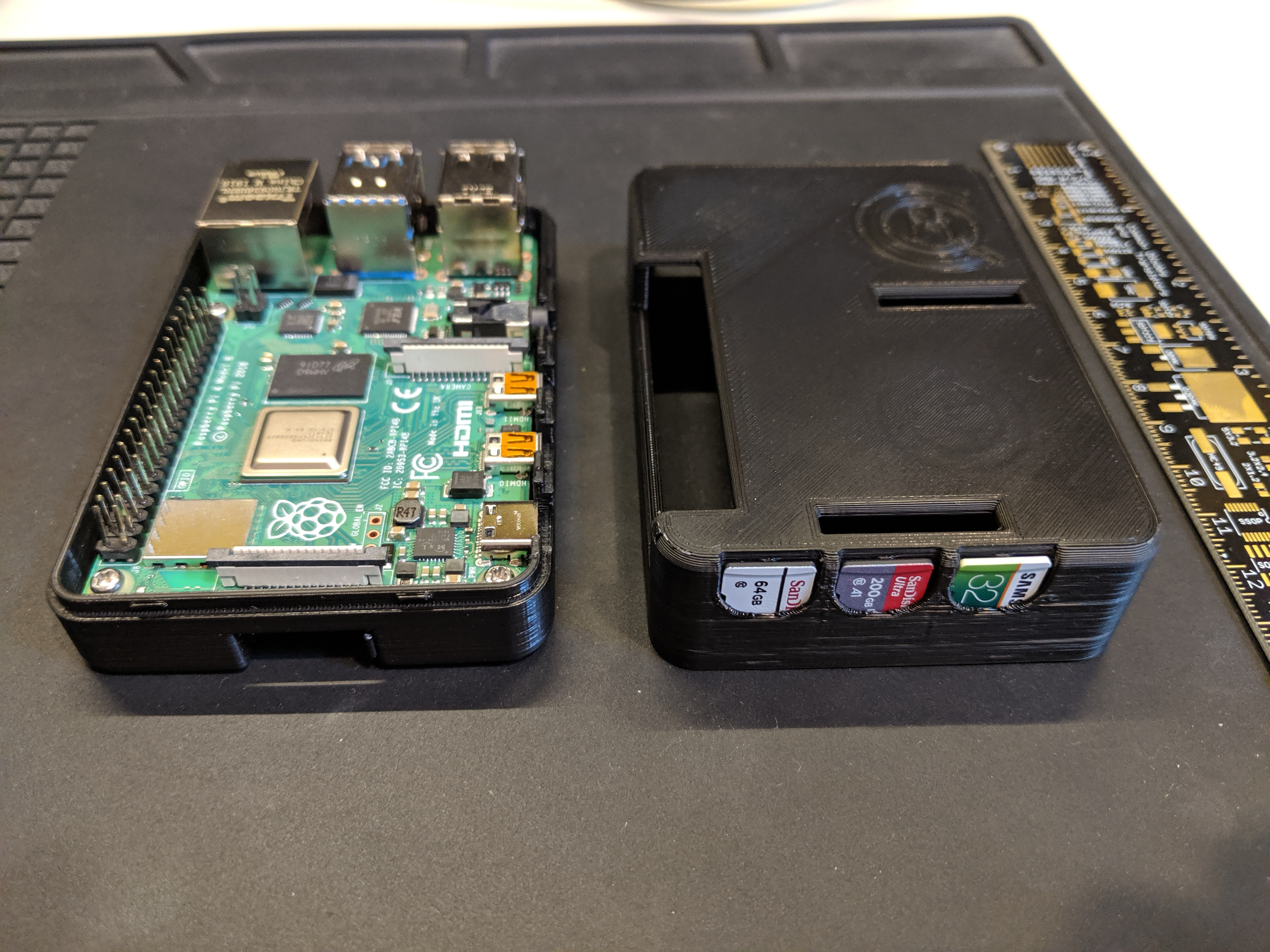 Raspberry Pi 4 Case with Micro SD Card Slots
