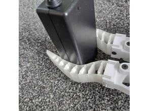 Robot gripper for standard servo