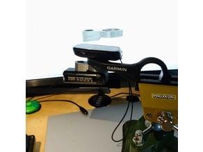 Garmin GPS - Lezyne Lamp - Adapter