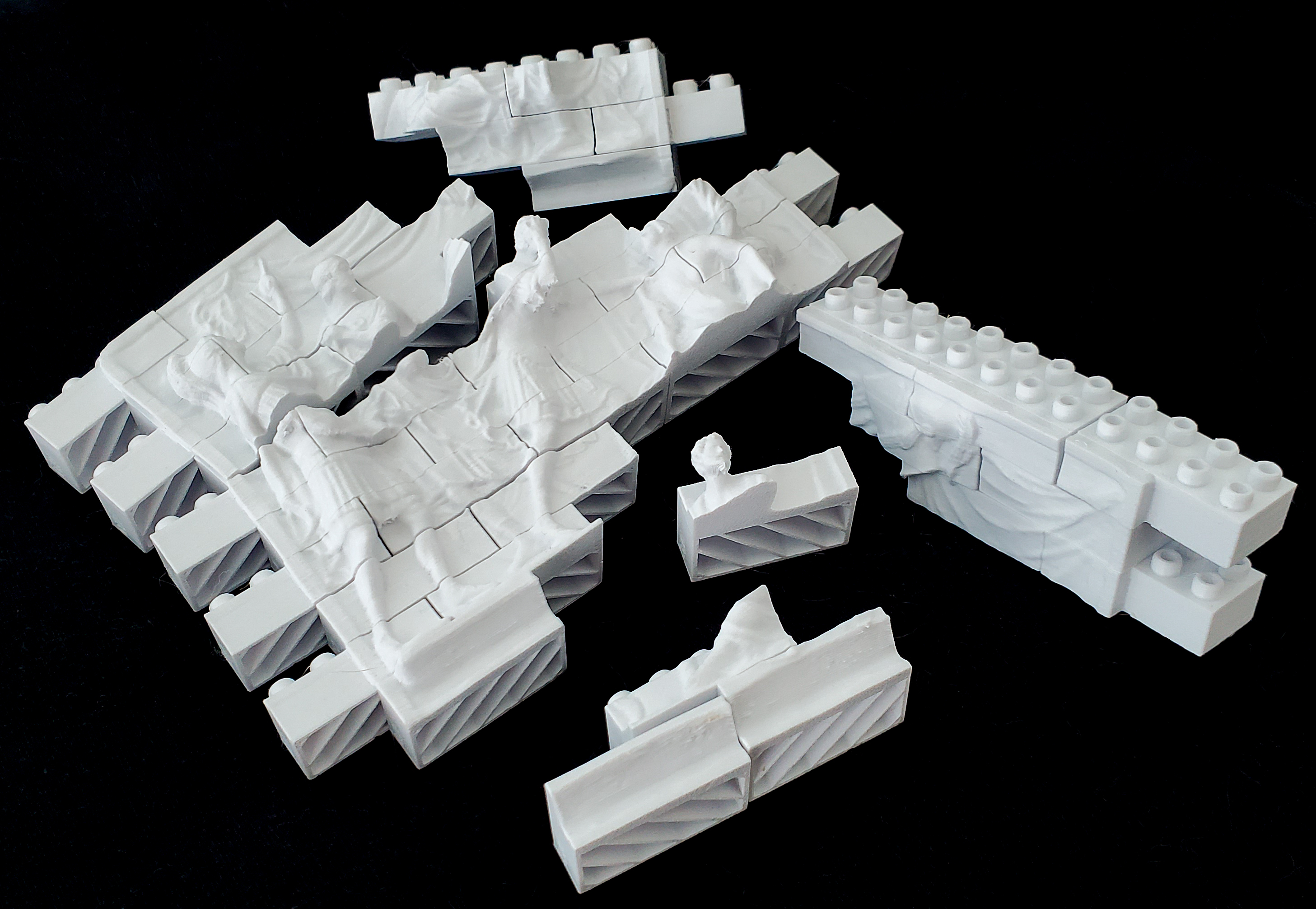 Montini Death of Lucretia Wall Set (Lego Compatible)