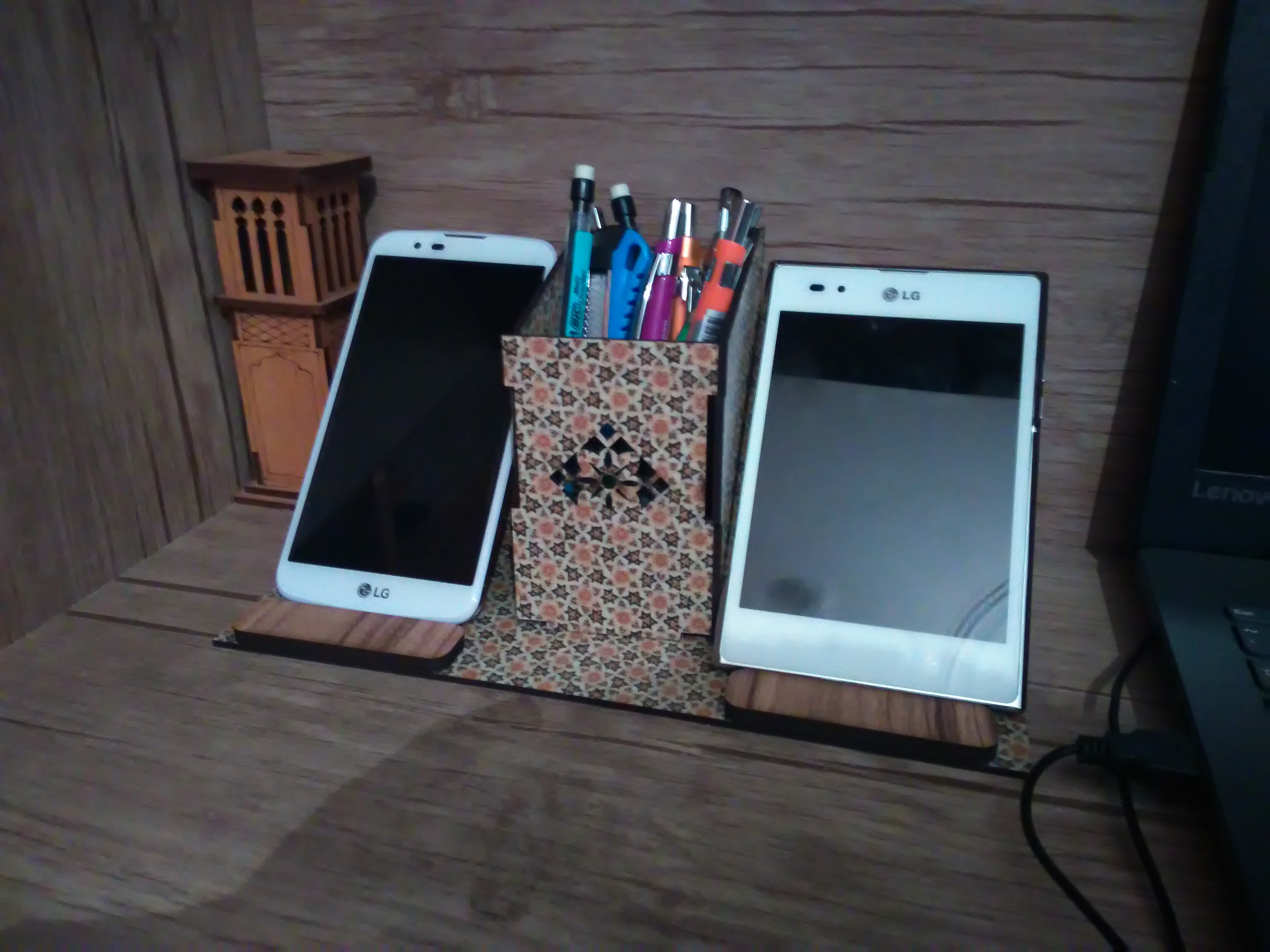Cell phone stand + pencil holder for laser cut