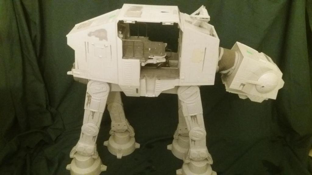 AT-AT LEGACY  star wars Kenner hasbro toy repro parts