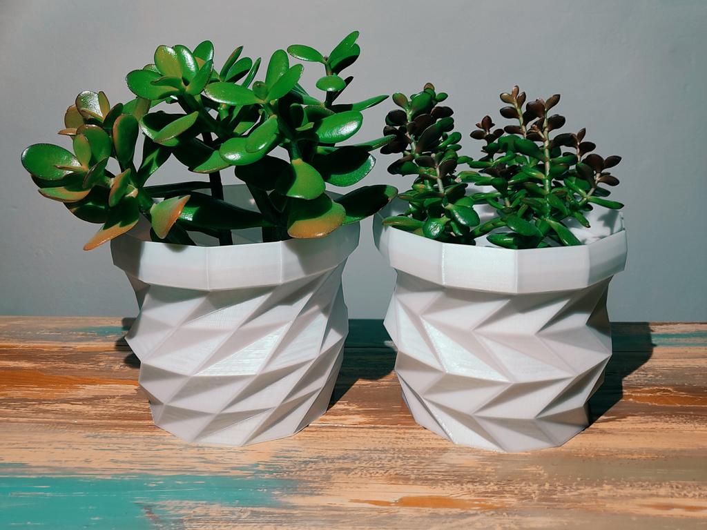 Triangulated Flower Pot / Planter Set