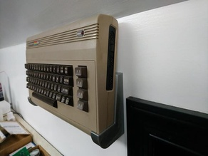 Commodore 64 / VIC-20 / 16 Wall or Desk Mount