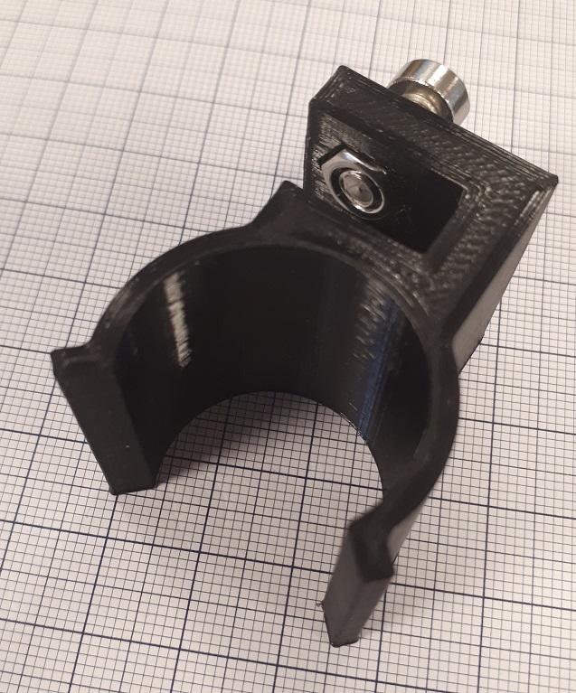 Hardhat Clamp for 25.4 mm. flashlight