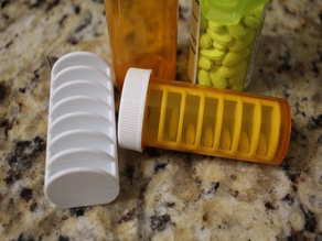 Pill container 7 day divider