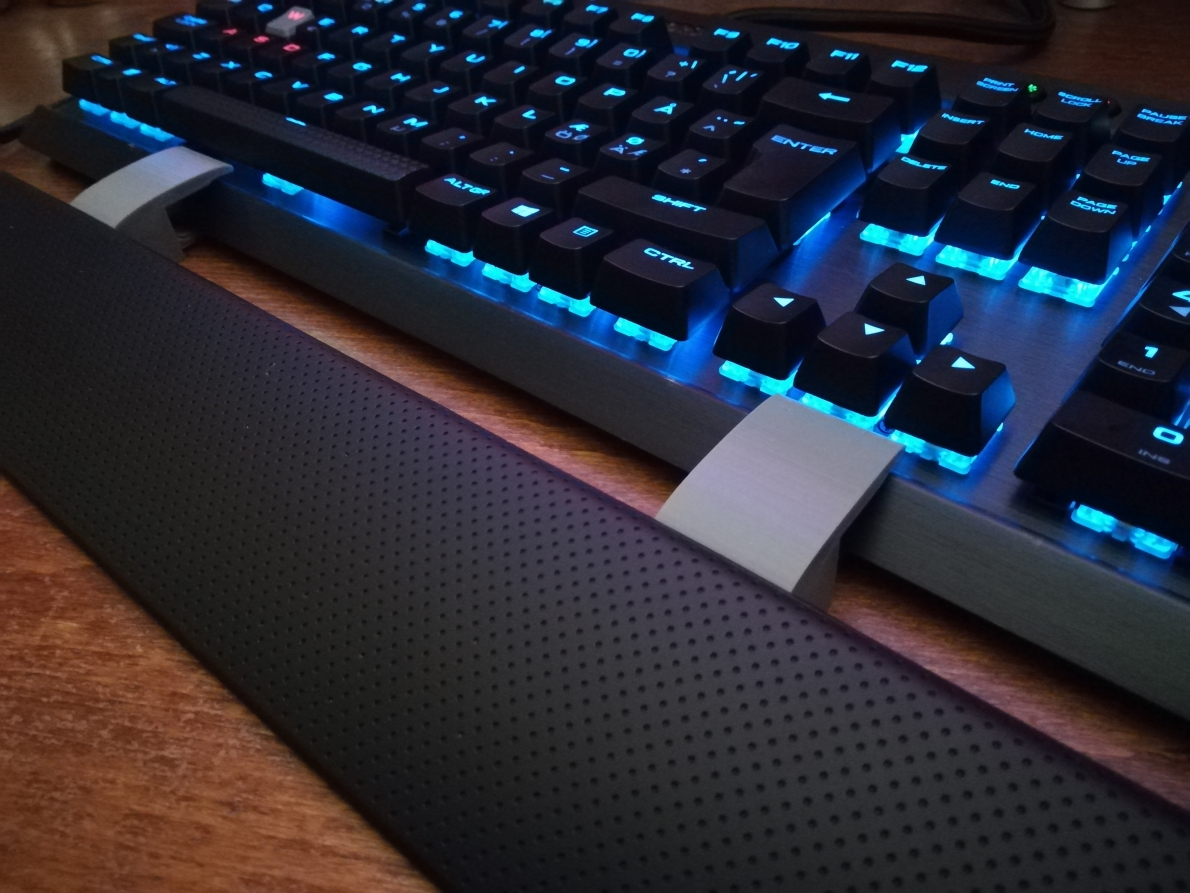 Wrist Rest Spacer for Corsair K70/K65 RGB by Kerus