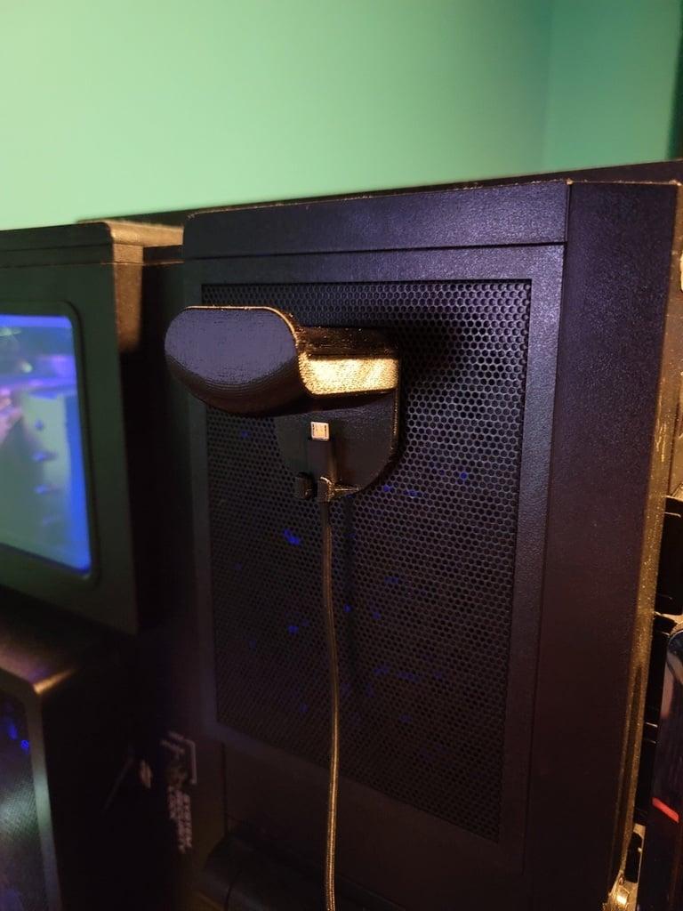 Thermaltake Level 10 GT headphone holder for case
