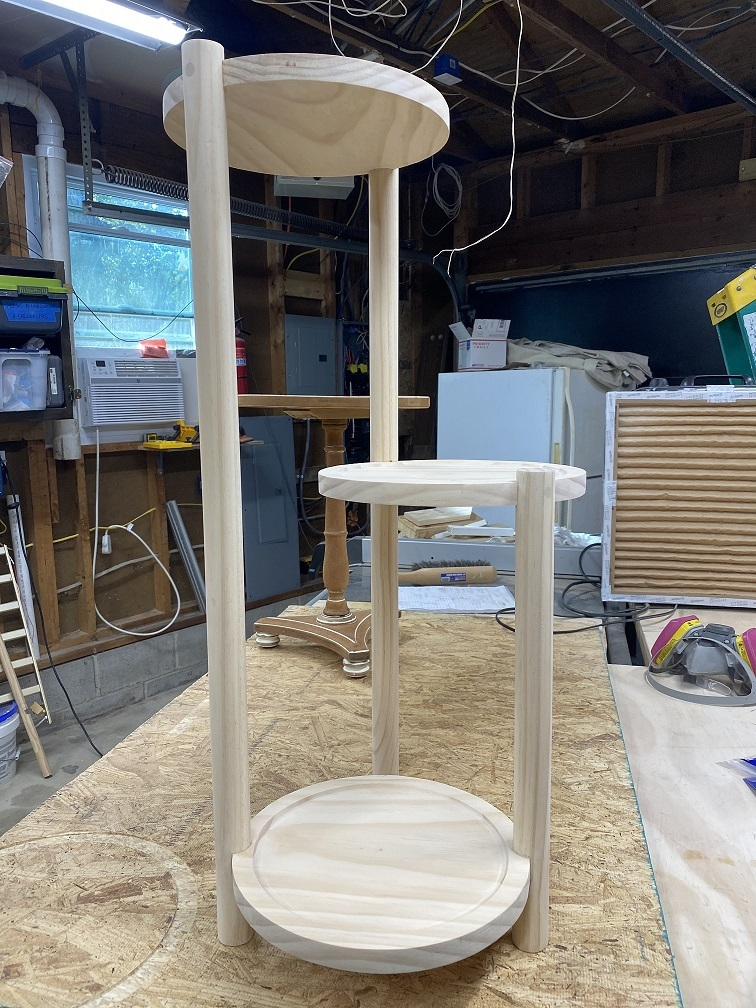 Jig for locating angles on a dowel