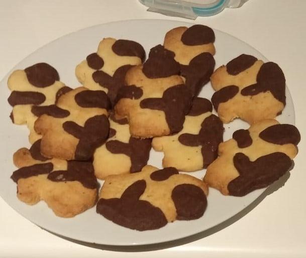 Hug cookie cutter