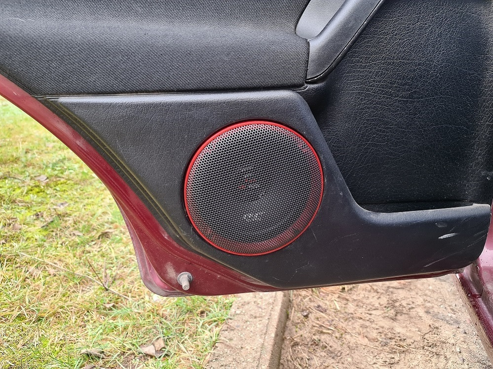 Grille adapter for Golf 3 door speakers 6.5 inches (16.5 cm)