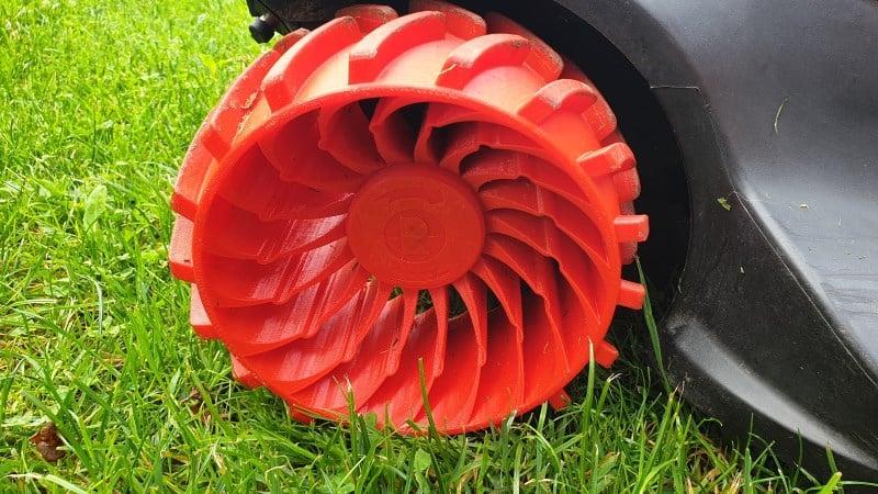 Robomow hubcap
