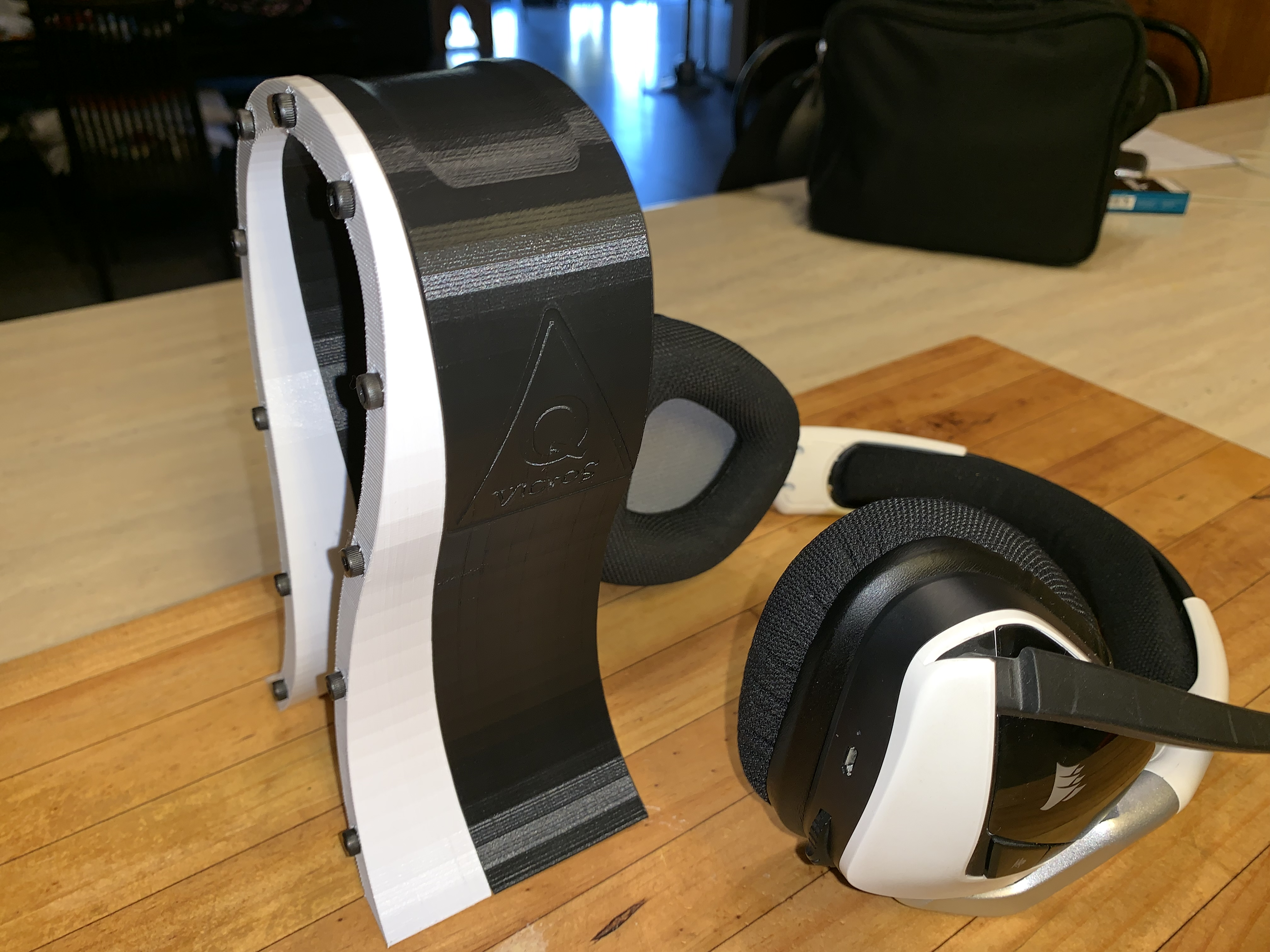 Omega-Style Headphone Stand