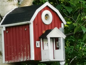 SWEDISH BIRD HOUSE