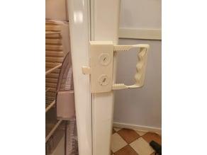 Refrigerator door handle / lever