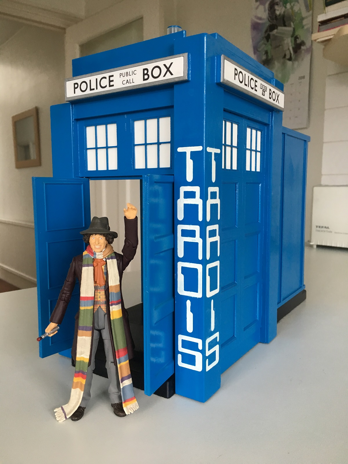 BLACKPOOL DR WHO EXHIBITION ENTRANCE TARDIS 1980