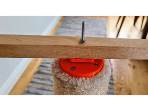 Cat scratching post spinning toy mount