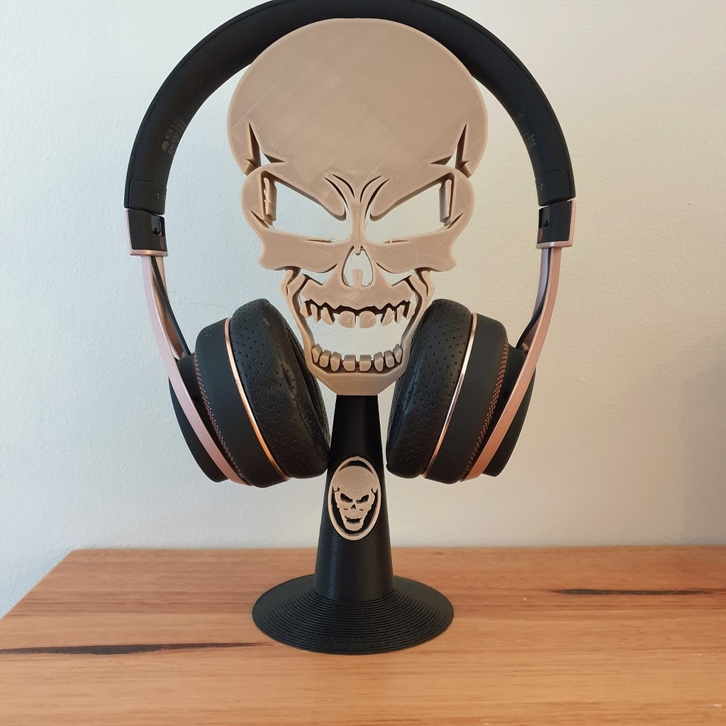 Skull headphone stand